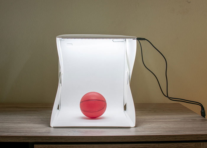 Light Tent or Lightbox for Small Product Photogrphy